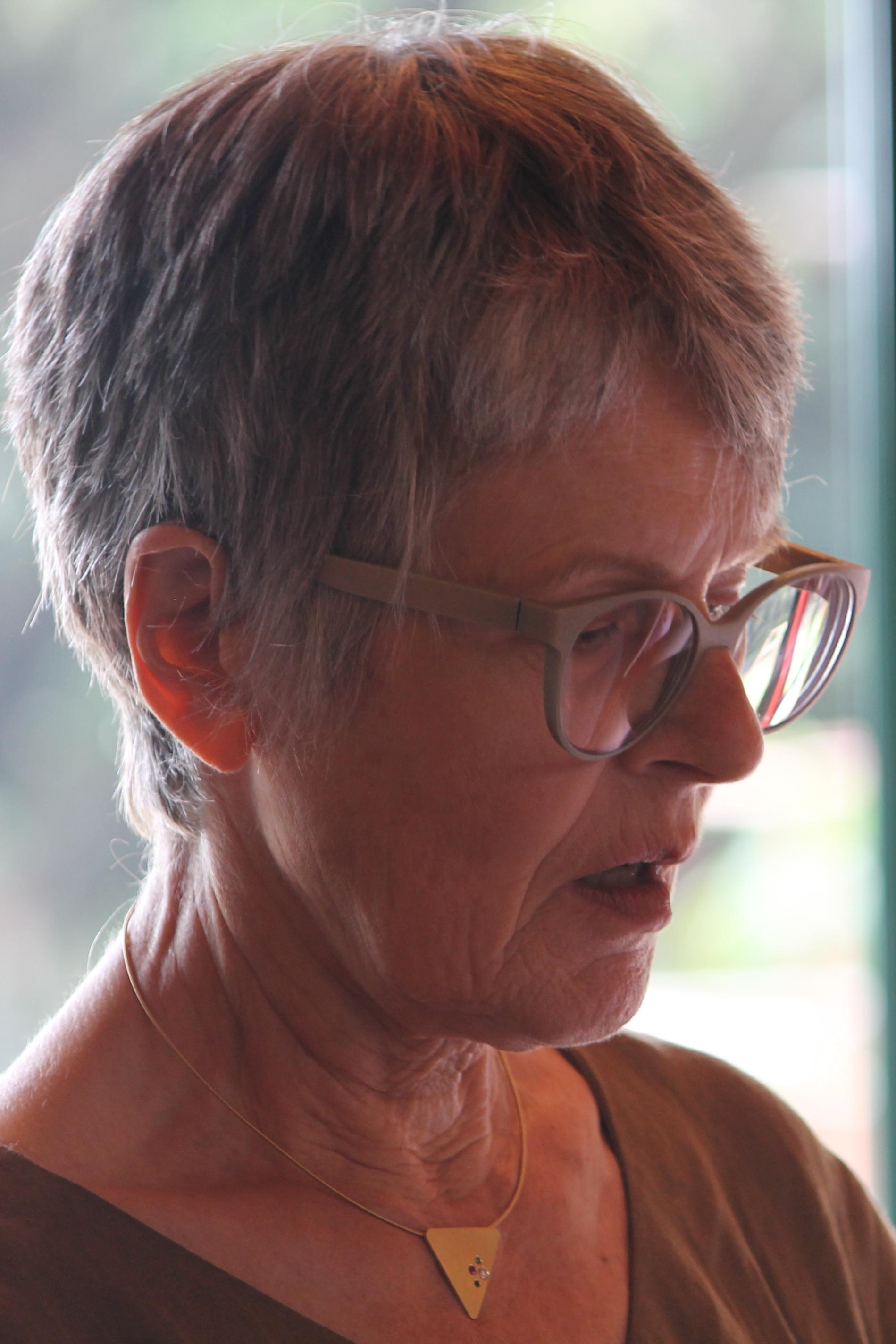 Frau Sigrid Blumbach bei der Lesung